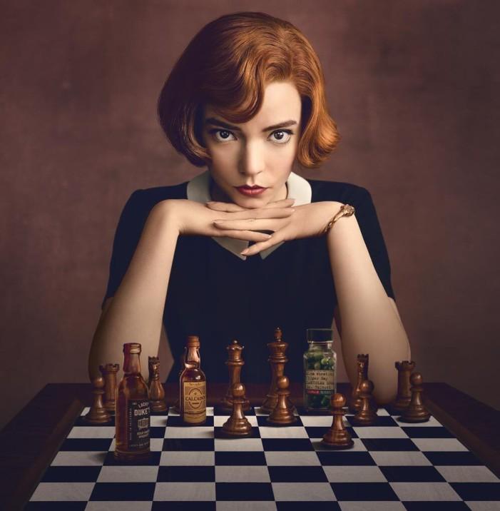 Gambito de Dama es una exitosa miniserie basada en el juego de ajedrez