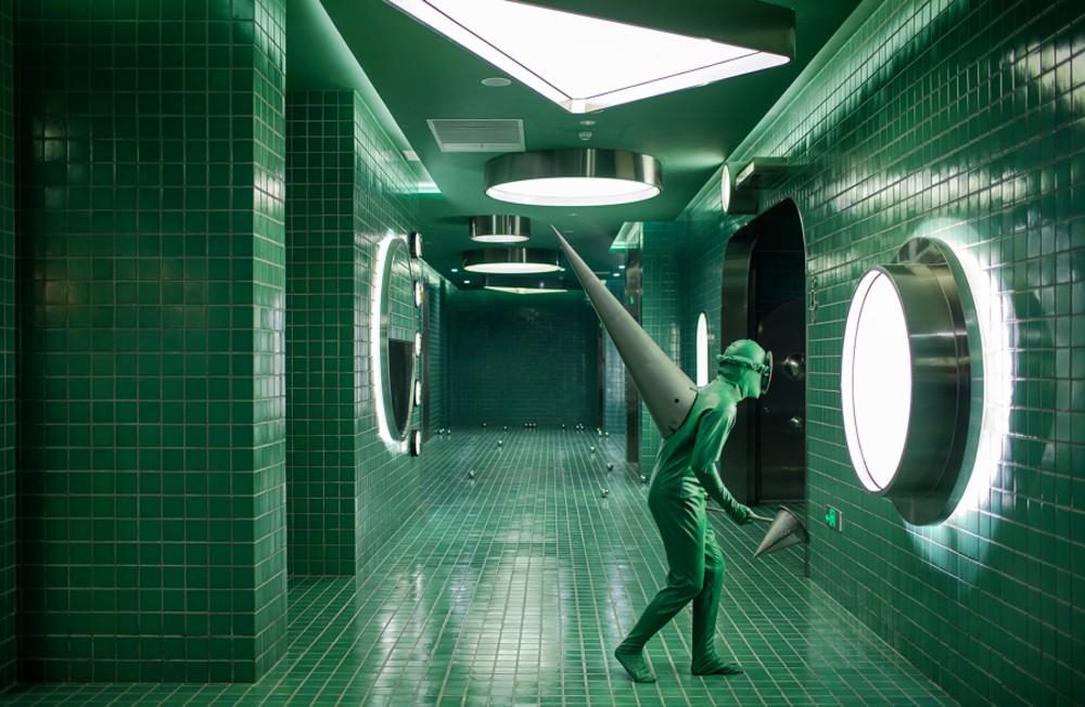 सार्वजनिक क्षेत्र का डिज़ाइन गुरुत्वाकर्षण तरंगों और ब्लैक होल से प्रेरित है। फोटो: आर्कटिक