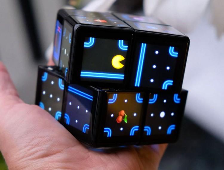 WOWCube es una consola de videojuegos en formato del famoso cubo rubik