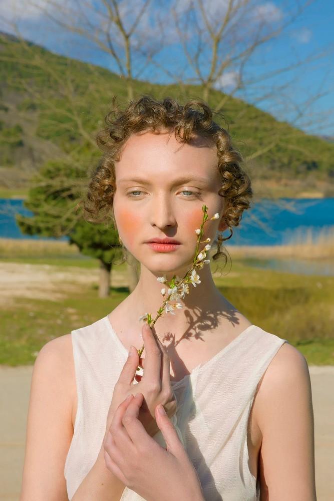 Эфи Гуси, вселенная в портрете. ФОТО: Эфи Гуси