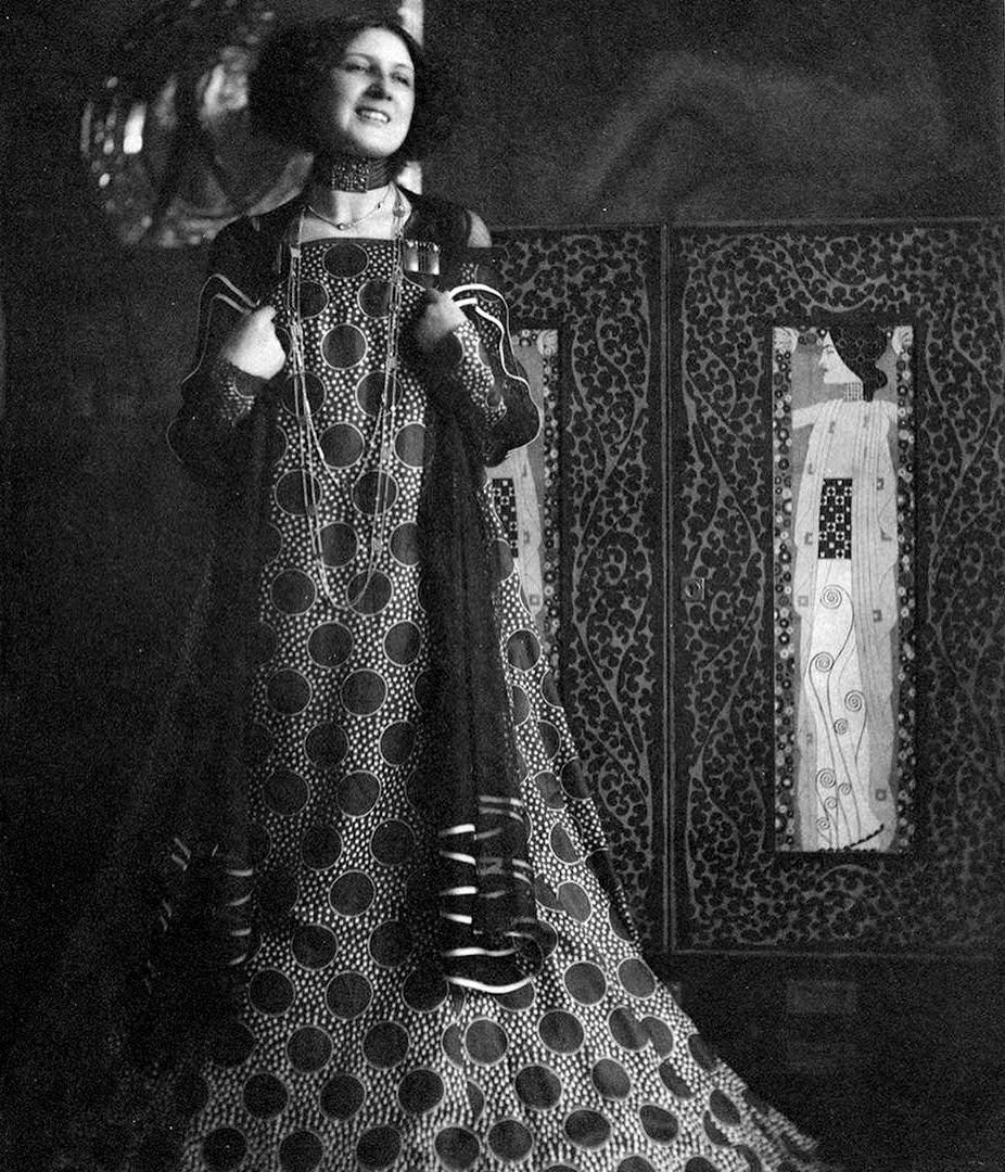 Emilie Flöge, la diseñadora y modelo que tomó de escaparate los lienzos de Klimt. FOTO: Wikimedia Commons