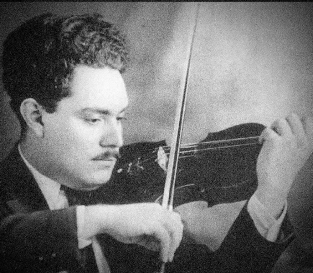 יובנטינו רוזאס נולד ב- 25 בינואר 1868