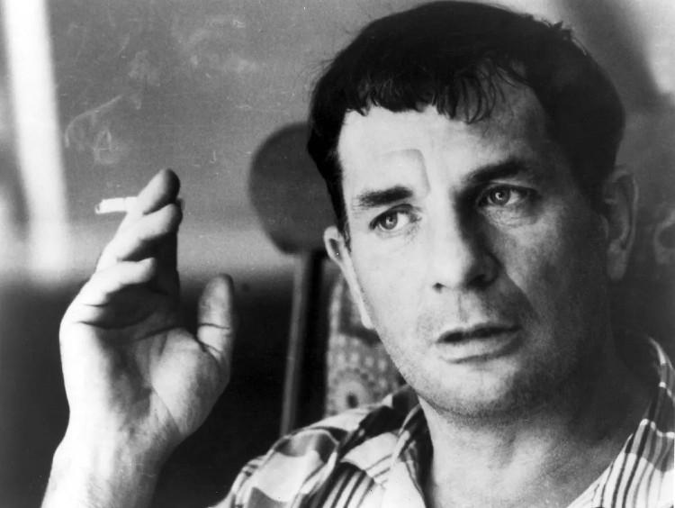 Jack Kerouac 12. március 1922-én született az Egyesült Államokban. A Beat Generation alapítójának tartják.