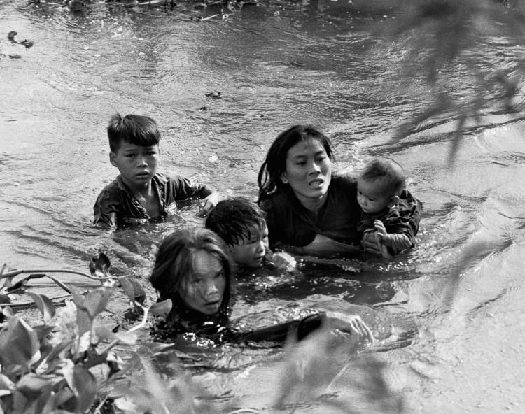 Kyoichi Sawada fue un fotógrafo japonés que captó con su lente la guerra de Vietnam en los 60
