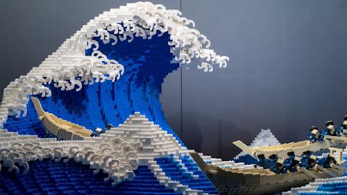 Lego es una empresa que fabrica juguetes para emsamblar