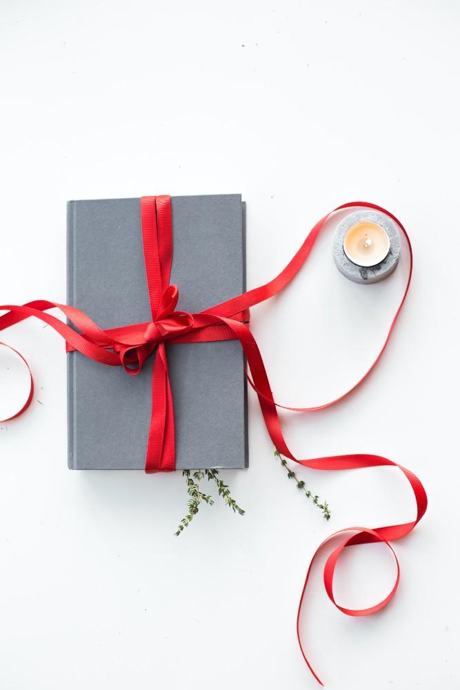 עשרה ספרים כדי להיכנס לאווירת חג המולד. תמונה: ללא פלאש