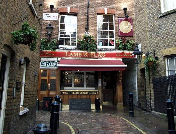 Lamb & Flag es un pub inglés con las de 400 años de tradición que podría cerrar por la pandemia de coronavirus