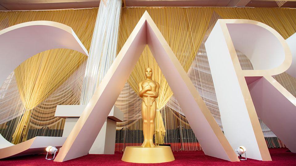 Filmes exhibidos en línea durante la pandemia podrán pelear por un Oscar.