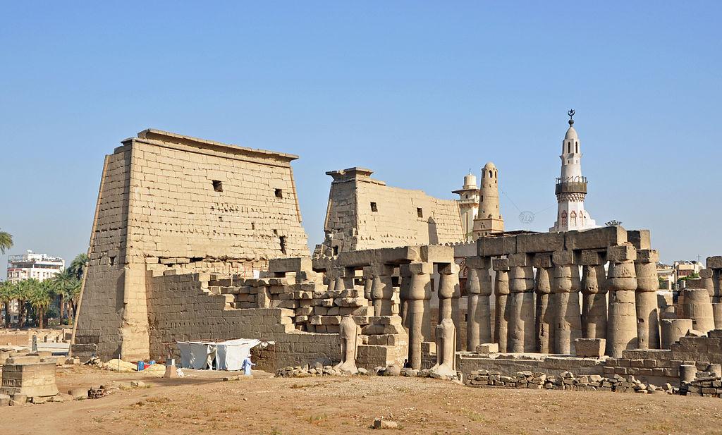 लक्सर मंदिर