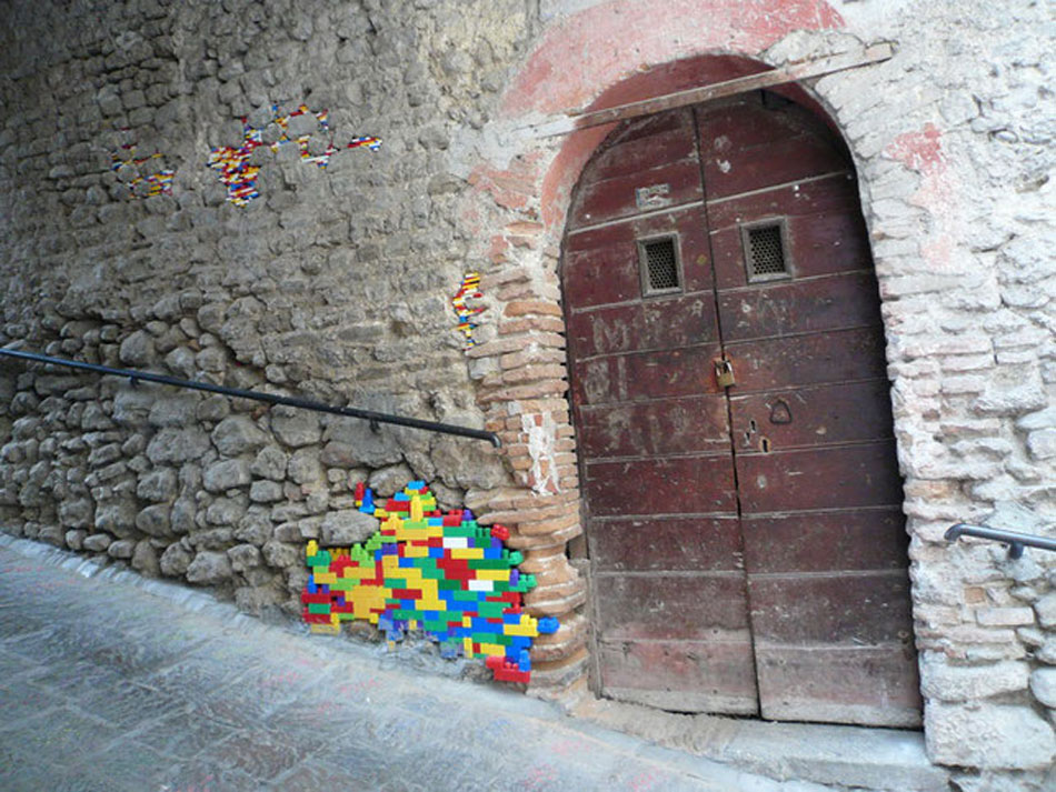 Coffee gate, brick wall and Lego pieces.