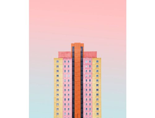 Multicolor structuur op roze en blauwe achtergrond gemaakt door de kunstenaar Simone Hutsch.