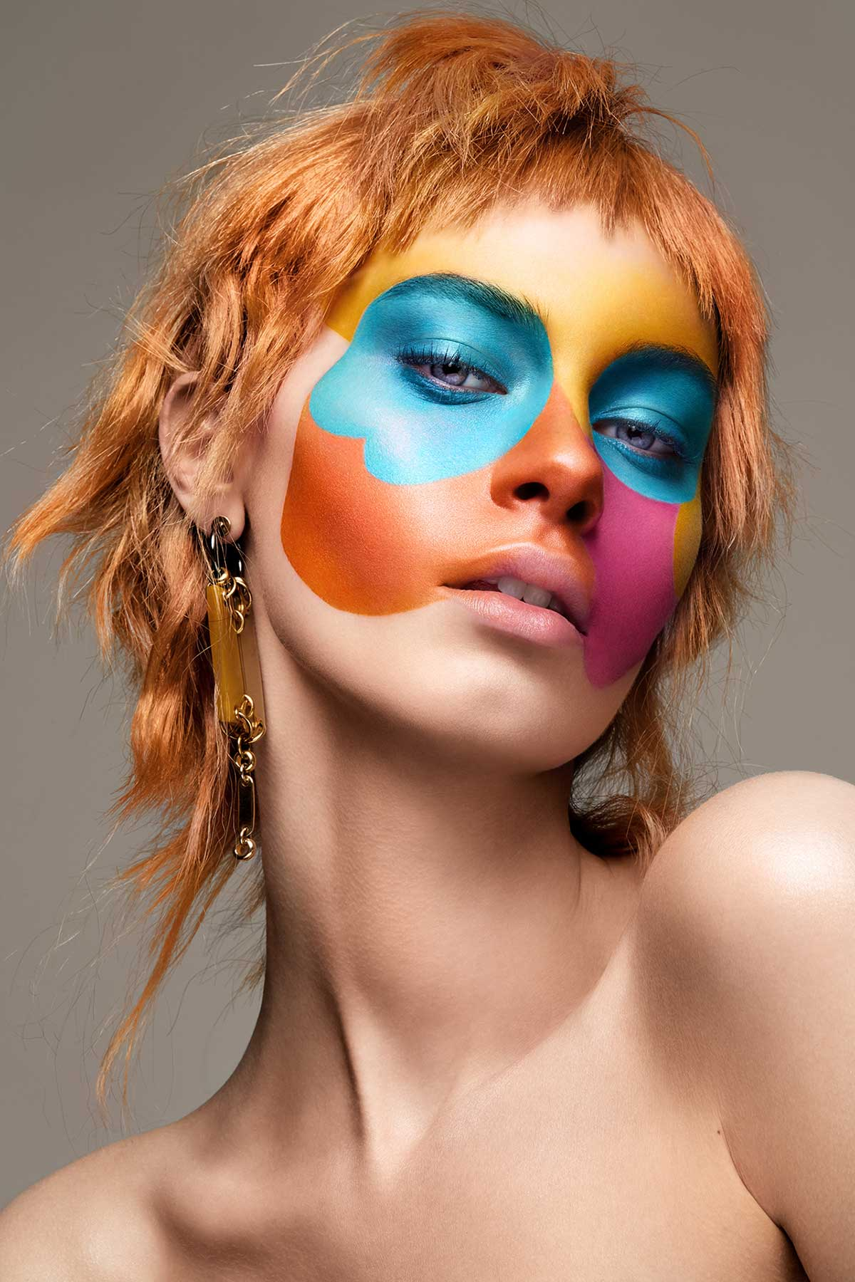 Retraro de mujer con maquillaje de la artista Per Florian Appelgren.