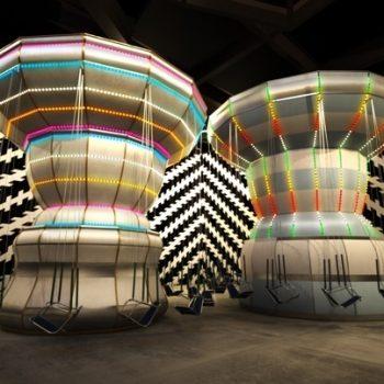 To stykker karusell type kunst med svinger