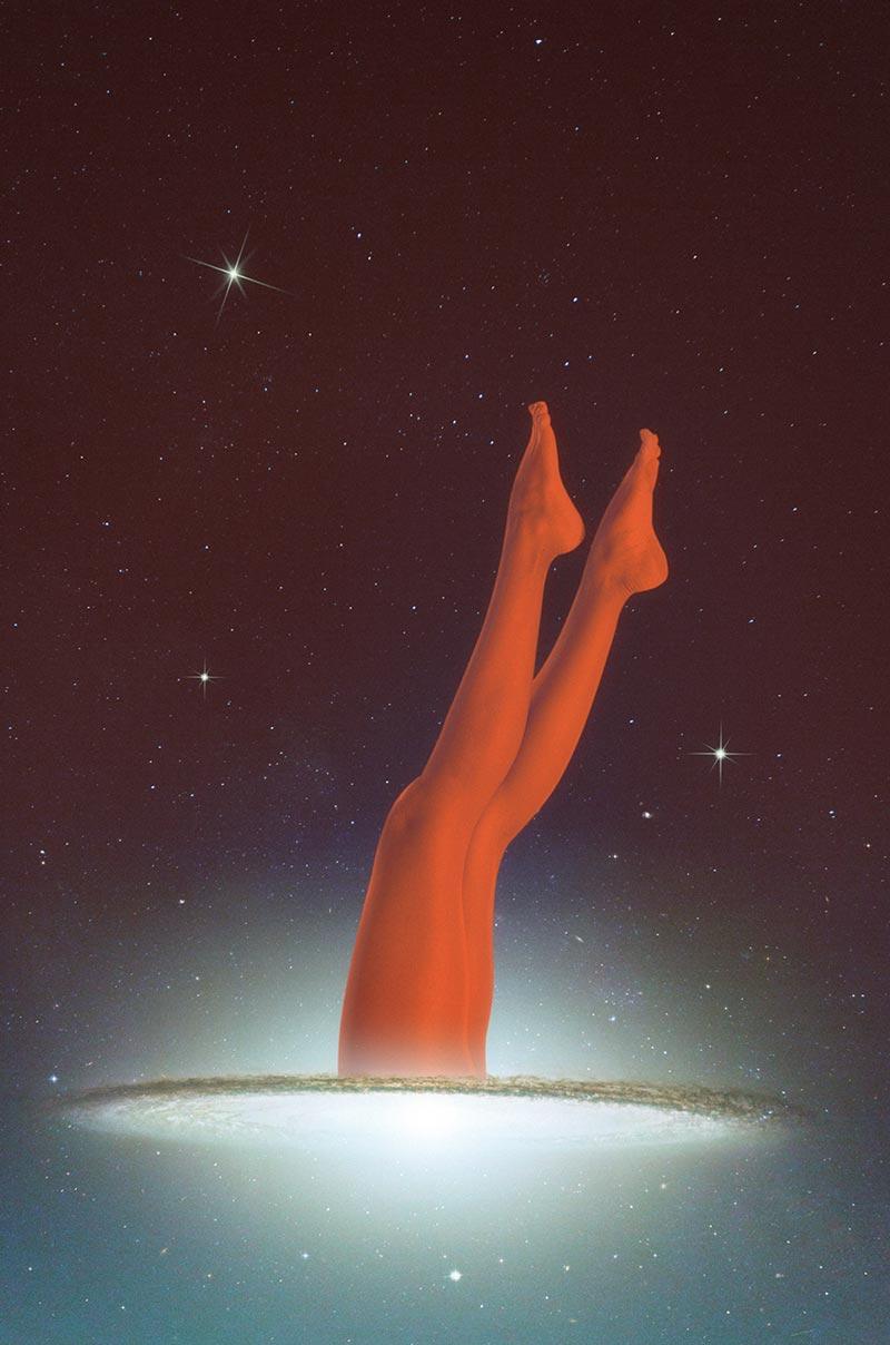 Illustrazione delle gambe rosse con sfondo stellare fatto da Anxo Vizcaíno