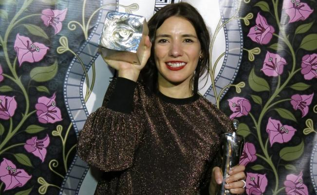 लीला को मिला पुरस्कार