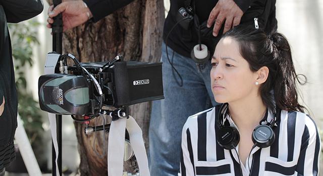 María filmando