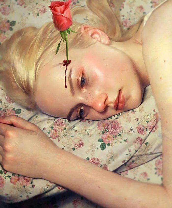 Mujer triste con rosa