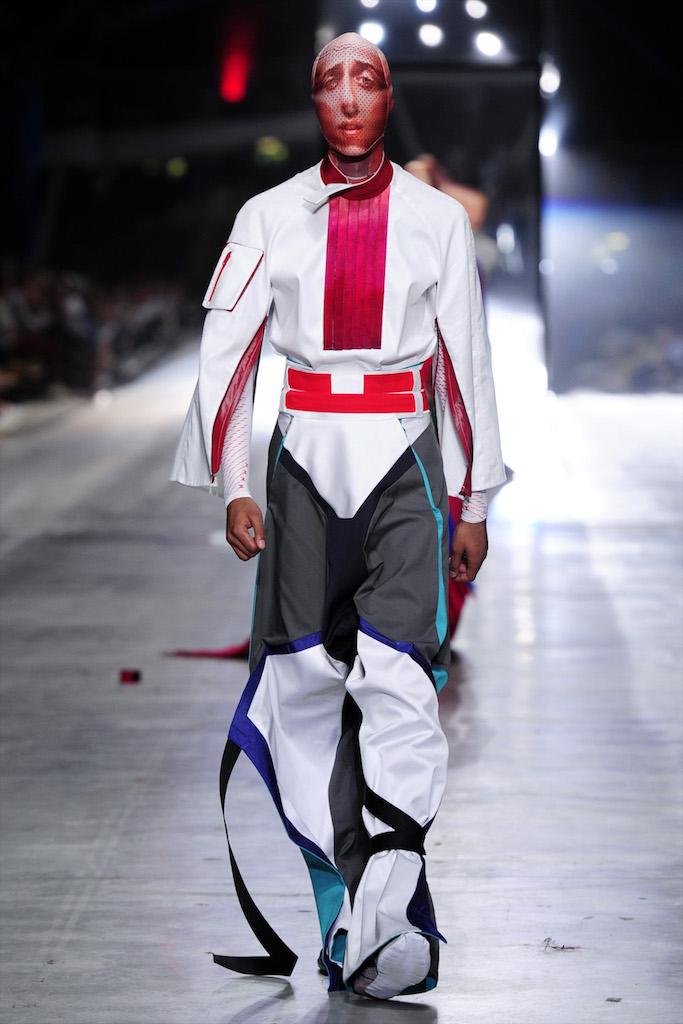 modelo ropa blanca