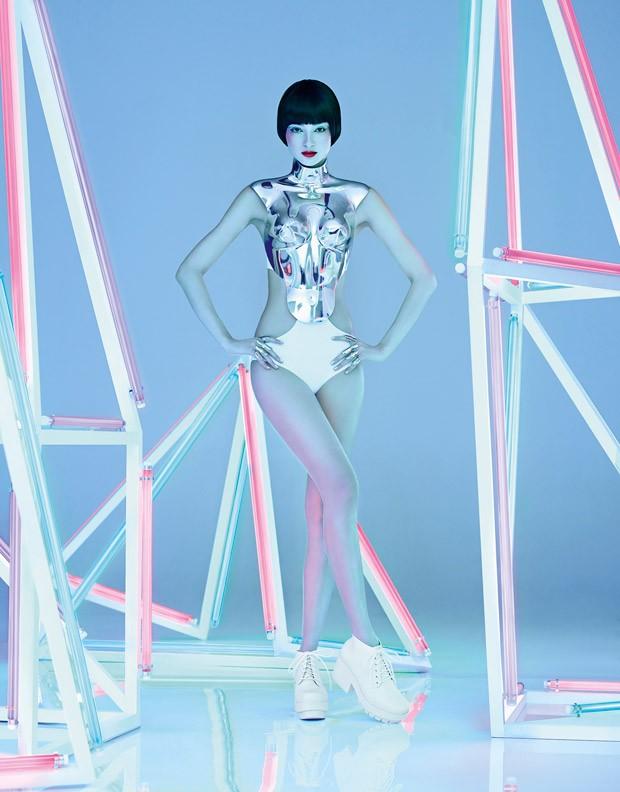 Modelo con instalacion de tubos neon