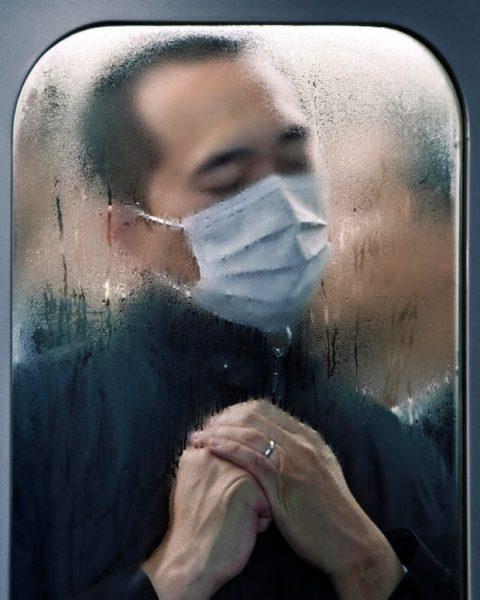 Hombre japonés fotografiado por Michael Wolf