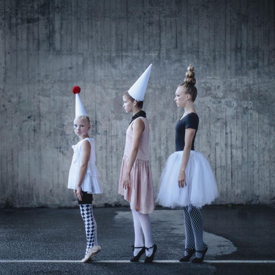 Tres mujeres artistas de circo