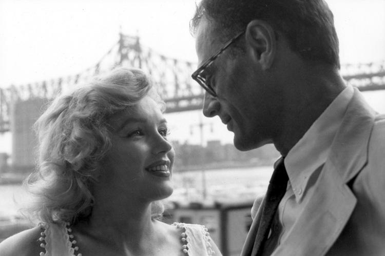 Η Marilyn Monroe παντρεύτηκε πέντε χρόνια με τον θεατρικό συγγραφέα Arthur Miller