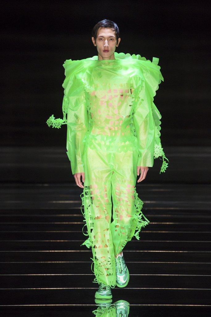 द डे ऑफ द डेड और पेपेल पिकैडो से प्रेरित परिधान रेशम से बने होते हैं
