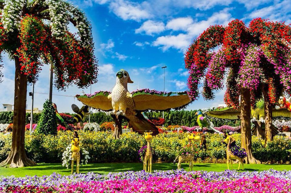 Τα μεγαλοπρεπή γλυπτά του Dubai Miracle Garden