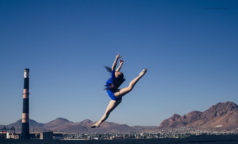 芭蕾舞女演员蓝色伊万villagrana