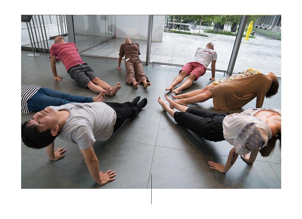 yoga en meditatie in Quiet Mornings of MoMA