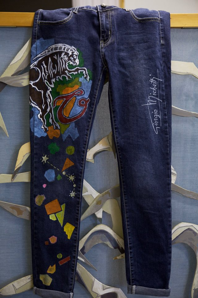 pantalones de mezclilla pintados Giorgio Michetti