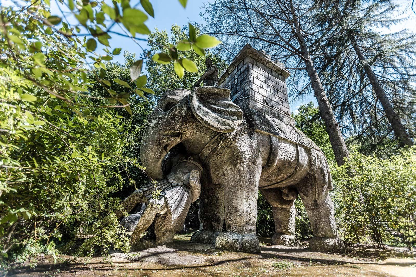 Ελέφαντας γλυπτική στο Parco dei mostri στην Ιταλία