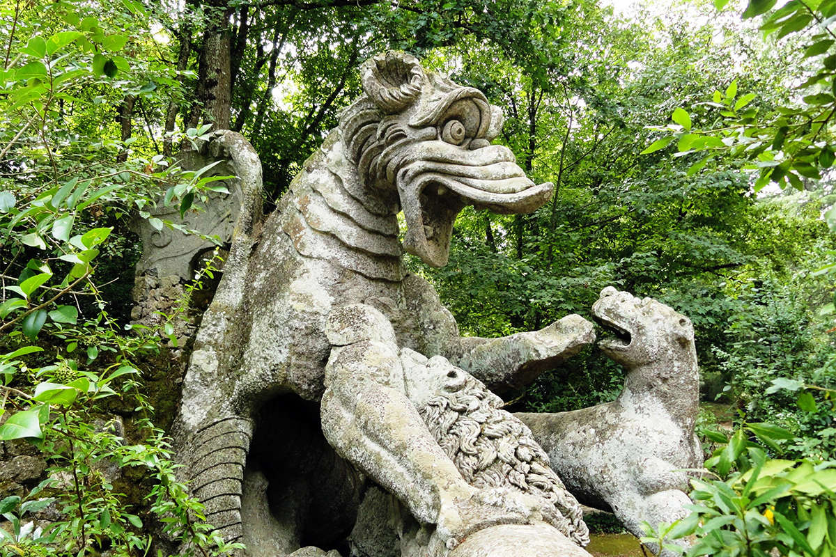Μυθικές και φανταστικές μορφές στο Parco dei mostri