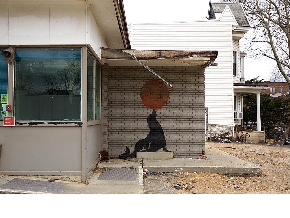 Banksy艺术中色彩的对比