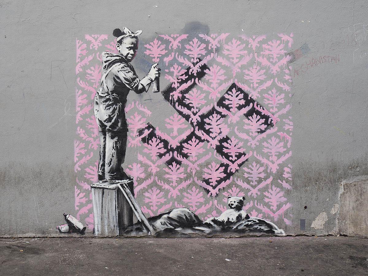 Banksy retoma a la niñez en su obra
