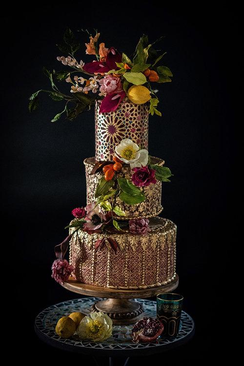 De elegantie kenmerkt het gebakje van Julie Simon Cakes