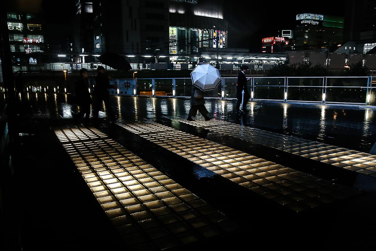 Tokyo 's nachts, onder de regen van José Luna