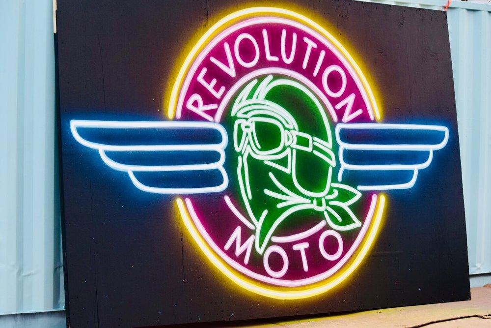 Revolution Moto di Adam Fujita