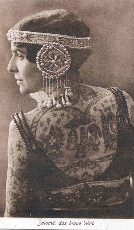 La piel es lienzo para el tatuaje