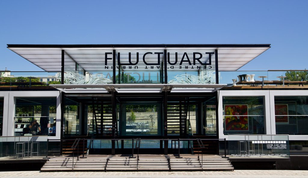 Het drijvend stedelijk kunstcentrum Fluctuart