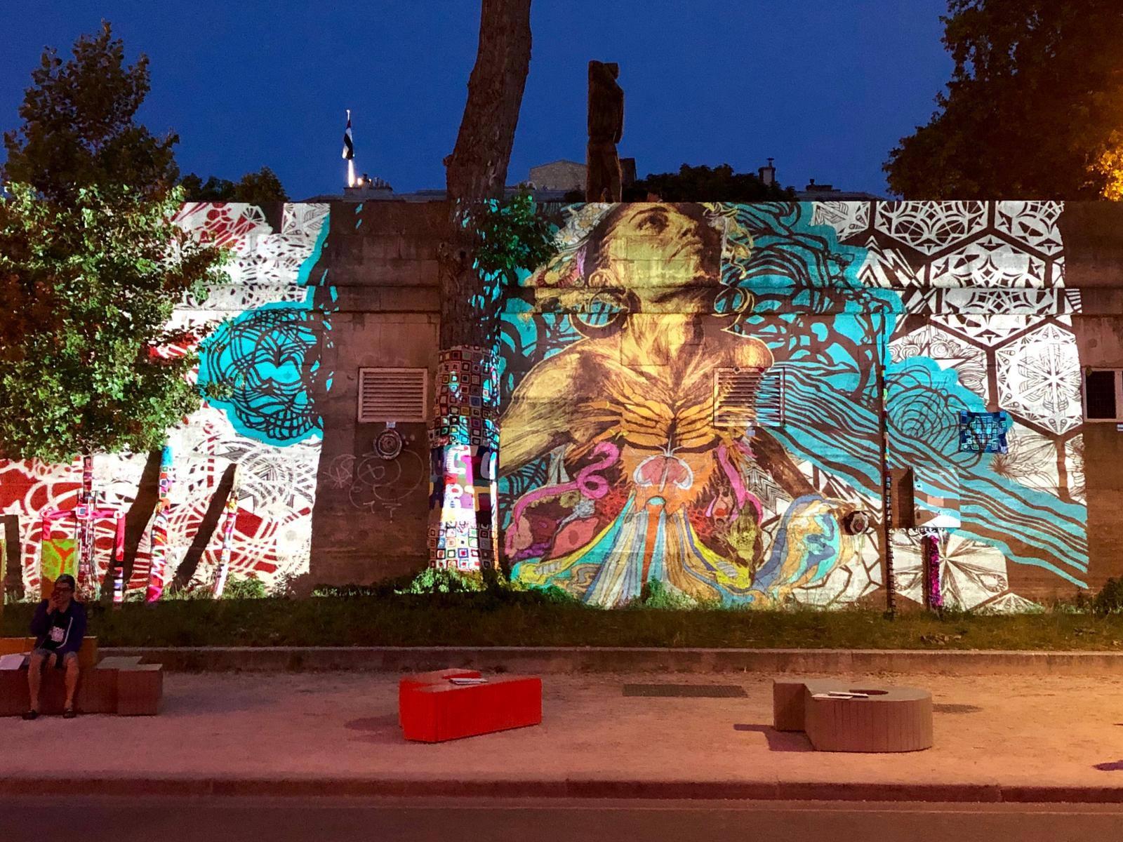 Kunst en feest in het licht van de maan op de Seine