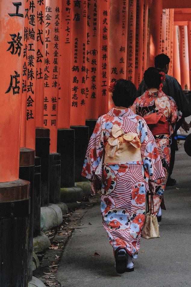 Τα πρώτα κιμονό έγιναν με κάνναβη μέχρι την άφιξη μετάξι στην Ιαπωνία