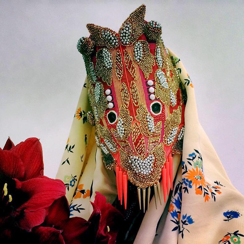 Las telas y los materiales inspiran a Damselfrau