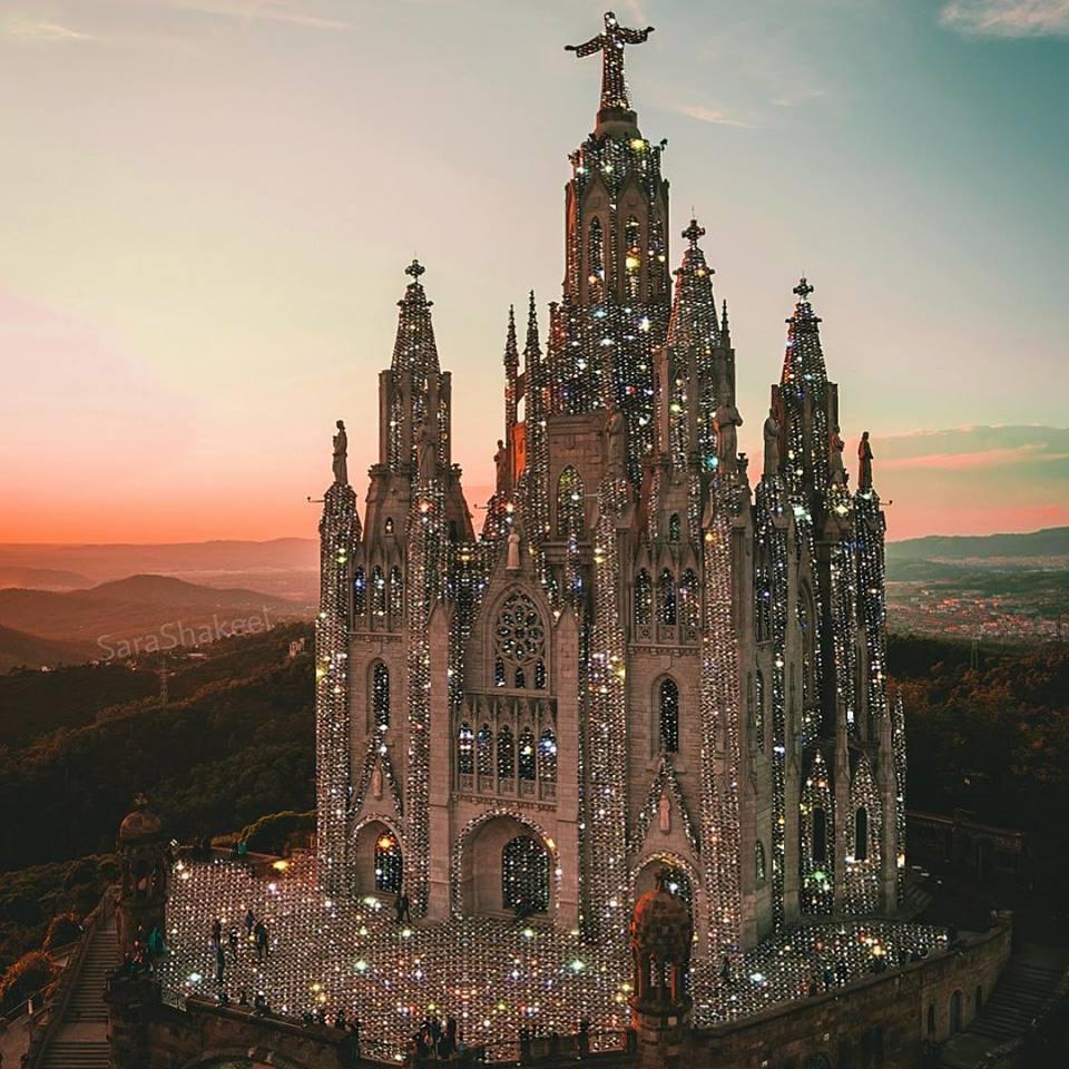 Βαρκελώνη από την Sara Shakeel