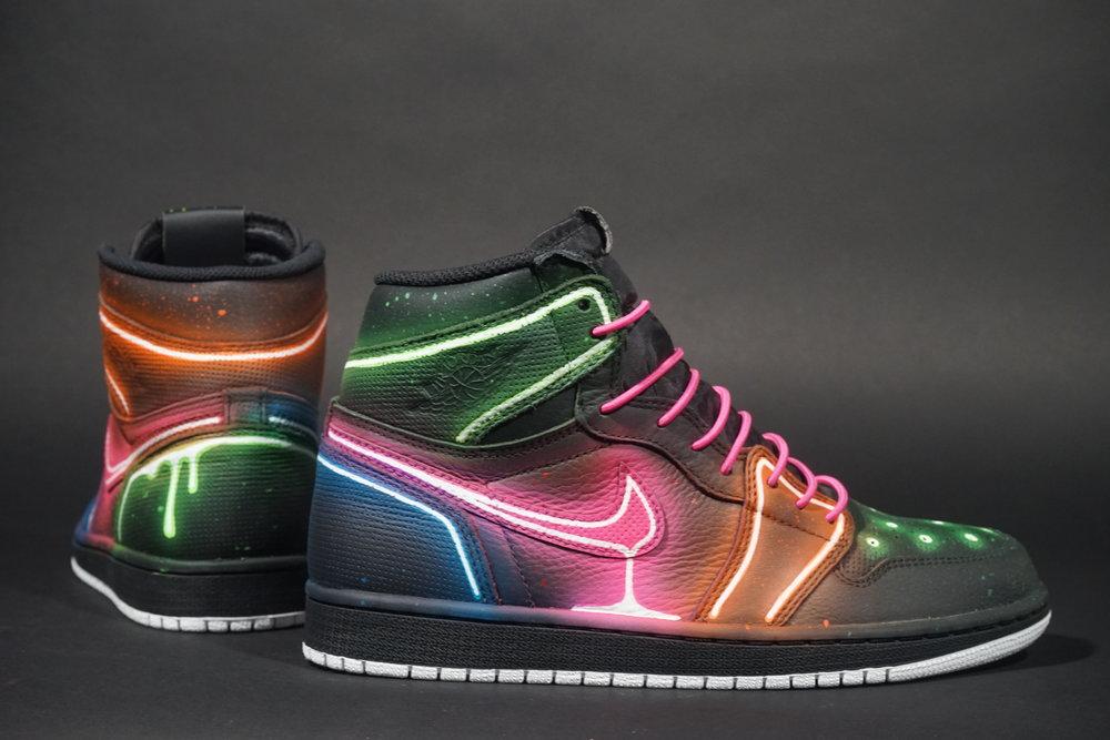 Nike y Adam Fujita