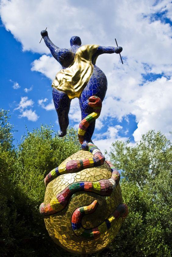 Niki de Saint Phalle. Foto de: pinterest.com