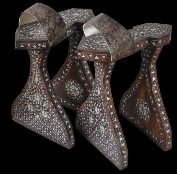 सवारों द्वारा उपयोग की जाने वाली फ़ारसी ऊँची एड़ी के जूते। फोटो: Pinterest
