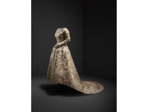 Balenciaga शादी की पोशाक