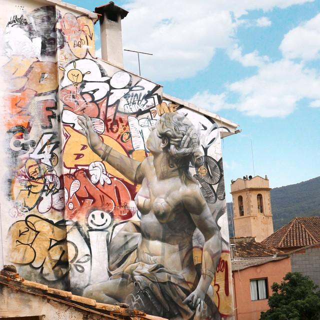 De indrukwekkende muurschilderingen van PichiAvo.