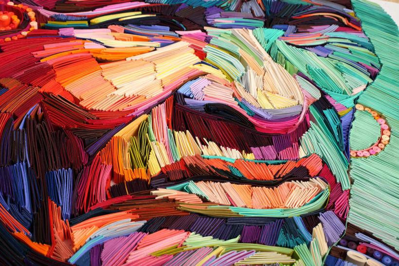 Yulia Brodskaya juega con los colores. Foto de fondo: FB@paperdesignart